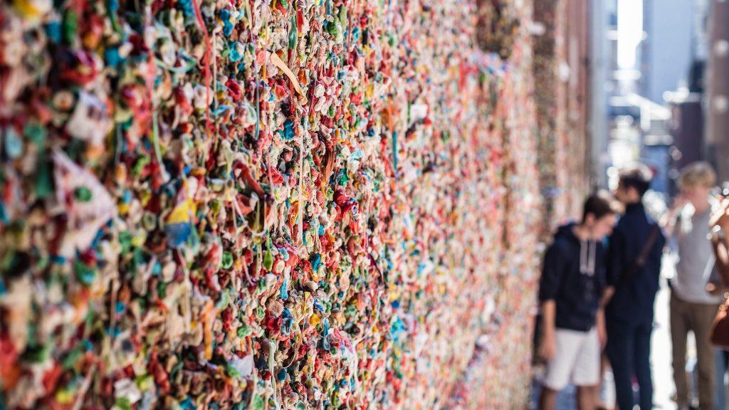 Image result for penjelasan wisata Bubblegum Alley, California