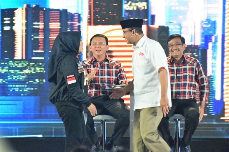 """Kejadian menarik dan lucu di debat cagub Jakarta – Ahok """"melerai"""""""
