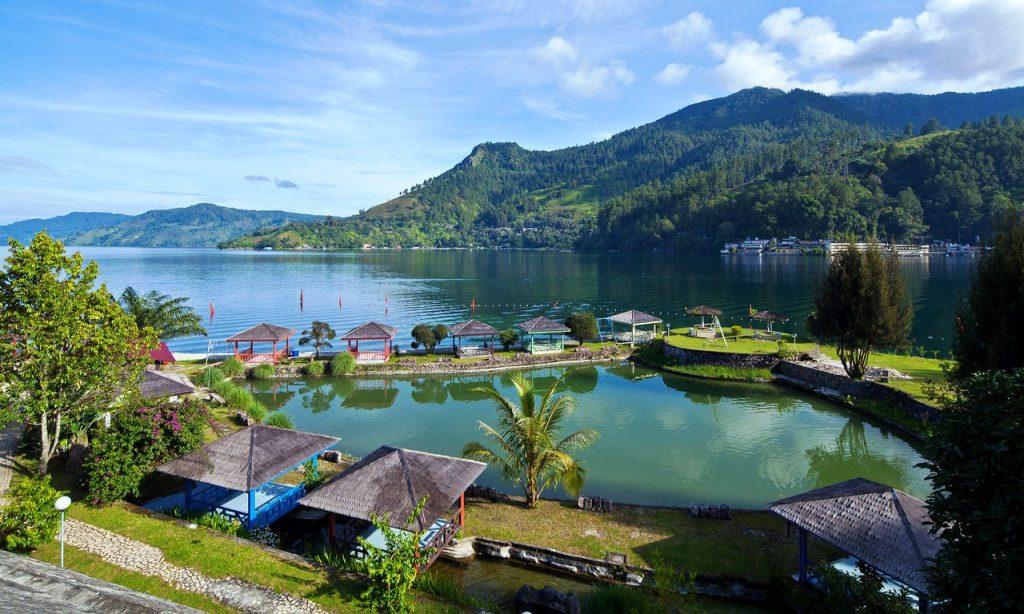 Tempat bulan madu di Indonesia - Danau Toba