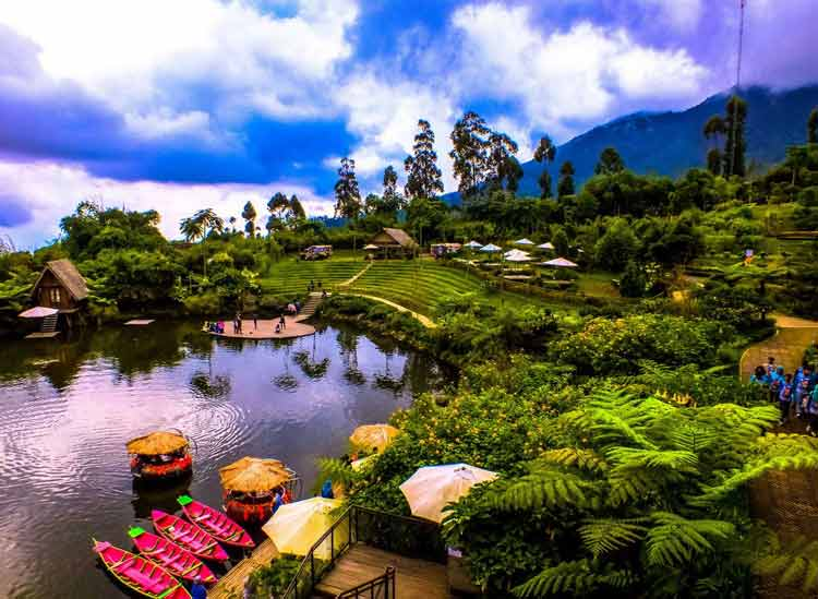 Tempat bulan madu di Indonesia - Dusun Bambu, Lembang