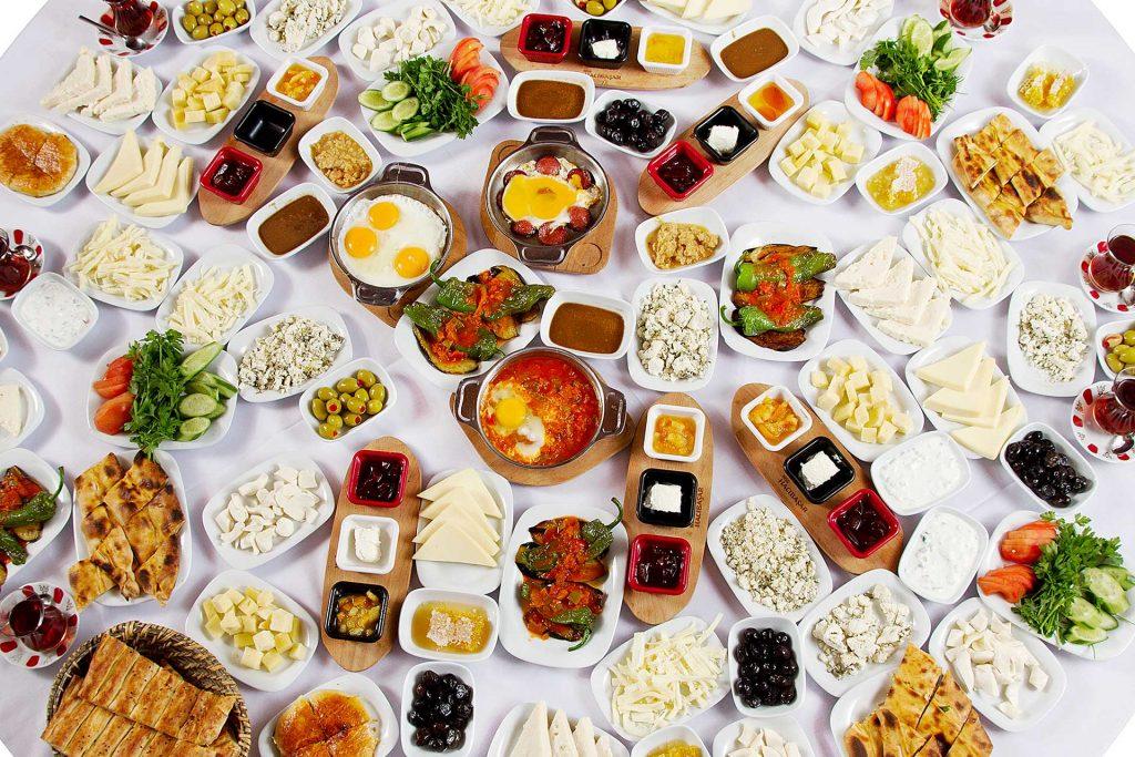 Hal yang menarik dari kegiatan makan di Turki