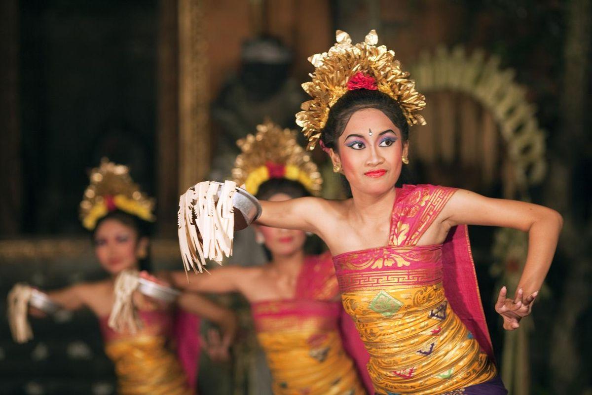 20 Tarian Daerah Indonesia Yang Terkenal di Dunia   Blog Unik