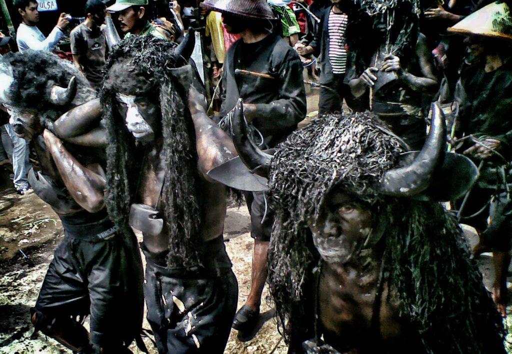 Beragam Tradisi Unik di Indonesia