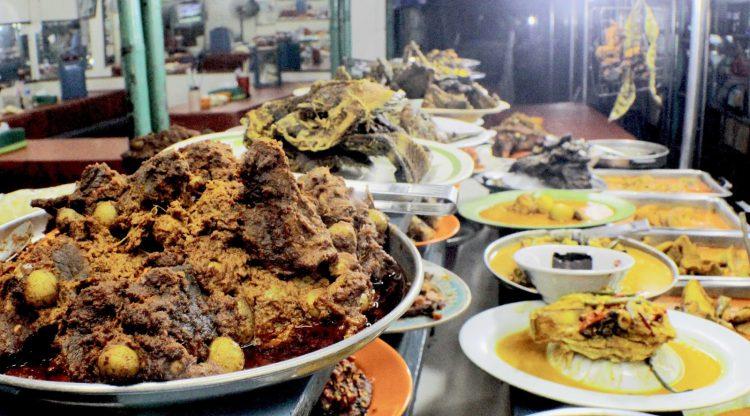 Tempat makan murah di Jakarta - Nasi Kapau Pasar Senen
