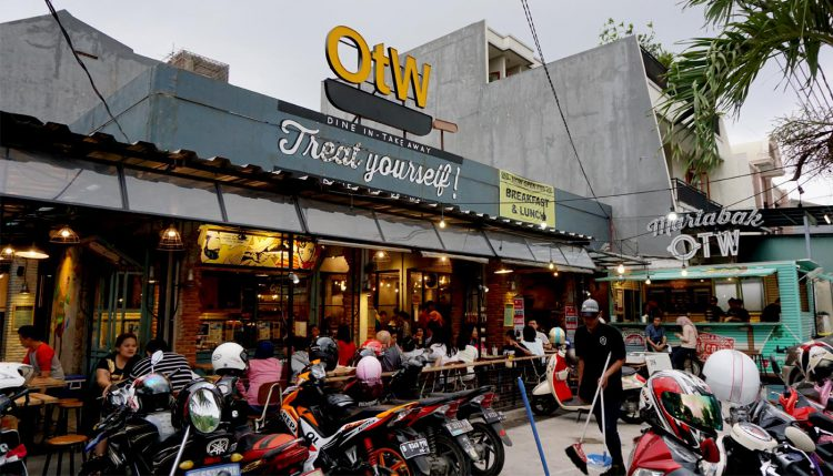 Tempat makan murah di Jakarta - OTW Food Street
