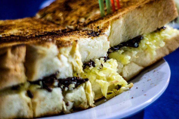 Tempat makan murah di Jakarta - Roti Bakar Eddy