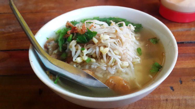 Tempat makan murah di Jakarta - Soto Seger Mbok Giyem