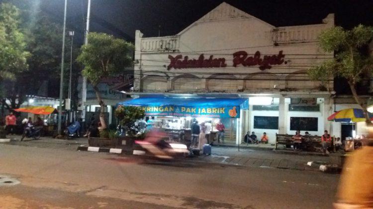 Tempat makan murah di Jogja - Angkringan KR