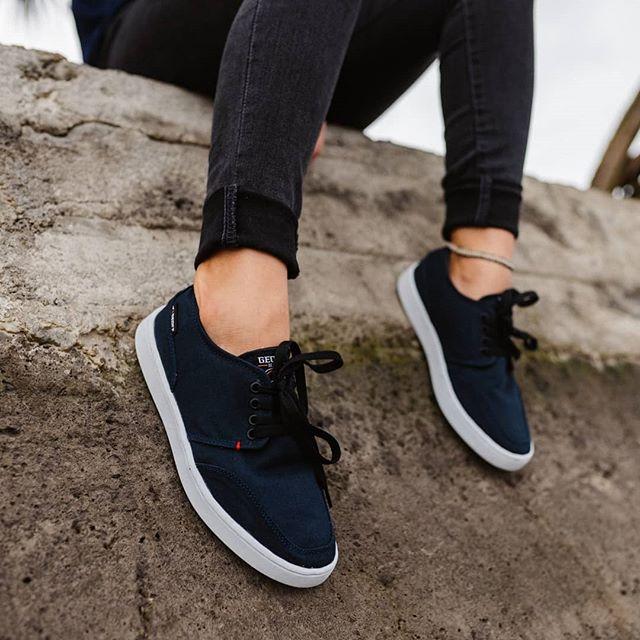 Sepatu buatan lokal yang bagus - Geoff Max