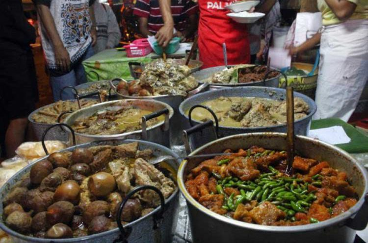 Tempat makan murah di Jogja - Gudeg Pawon