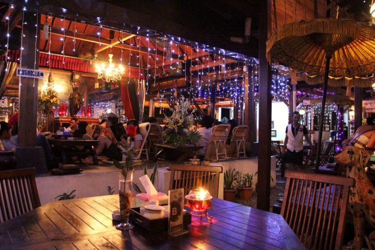 Tempat makan murah di Jogja - House of Raminten