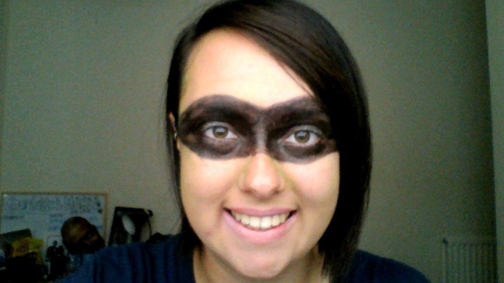 Kejadian Lucu Saat Melakukan Perawatan Wajah dan Tutorial Makeup