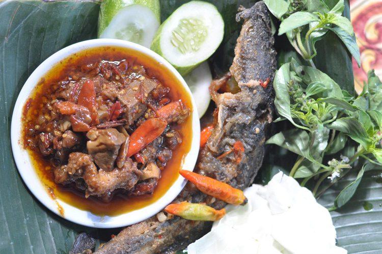 Tempat makan murah di Jogja - Oseng-oseng mercon Bu Narti