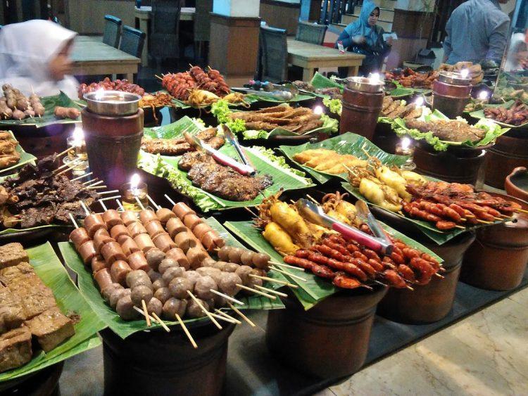 Tempat makan murah di Bandung - Rumah Makan Ampera