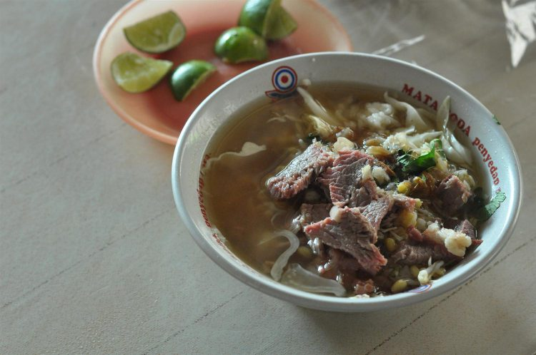 Tempat makan murah di Jogja - Soto Pak Sabar