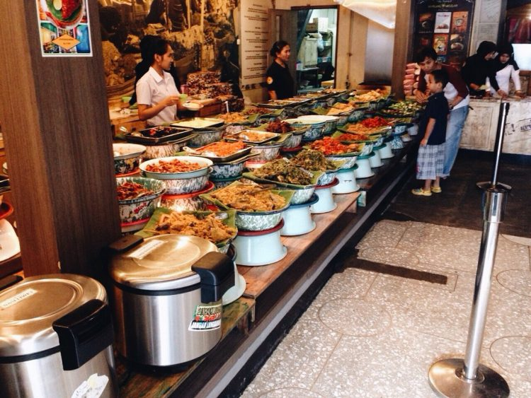 Tempat makan murah di Bandung - Warung Misbar