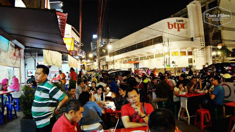 Tempat makan murah di Bandung - Warung Prasmanan Ceu