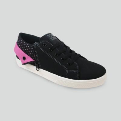Sepatu buatan lokal yang bagus - Tomkins