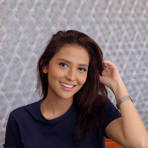 Aliyah Faizah berperan sebagai Lola - Tukang ojek pengkolan