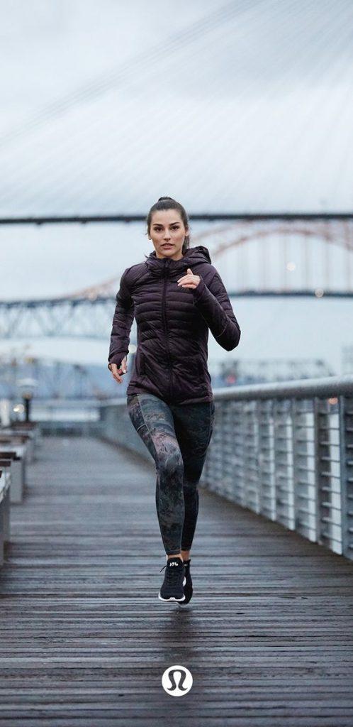 Tips Memilih Outfit Olahraga Wanita Agar Terlihat Stylish Dan Cantik Blog Unik