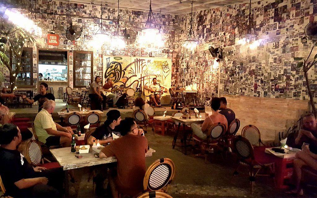 Daftar Lagu Yang Sering Dimainkan Di Restoran Atau Kafe