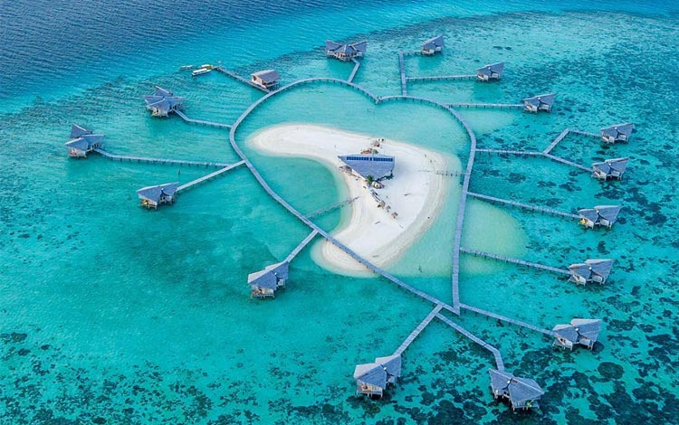 Pulo Cinta - 7 Penginapan Tepi Pantai Paling Indah di Indonesia