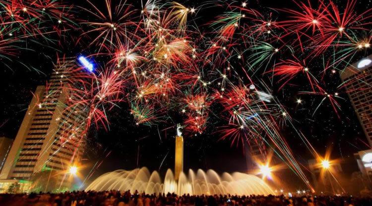 Tempat terbaik merayakan tahun baru di Jakarta - Bundaran Hotel Indonesia
