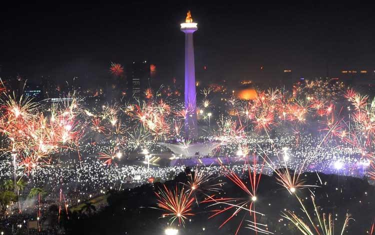 Tempat terbaik merayakan tahun baru di Jakarta - Monas