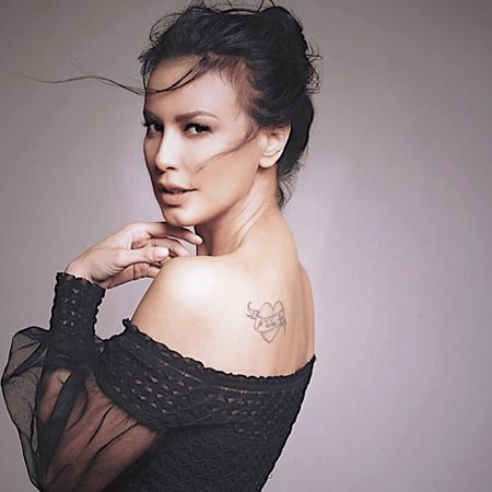 Artis Indonesia Yang Memiliki Tato - Sophia Latjuba