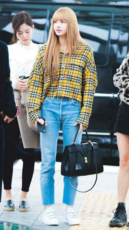 Gaya Fashion Ala Blackpink - Lisa