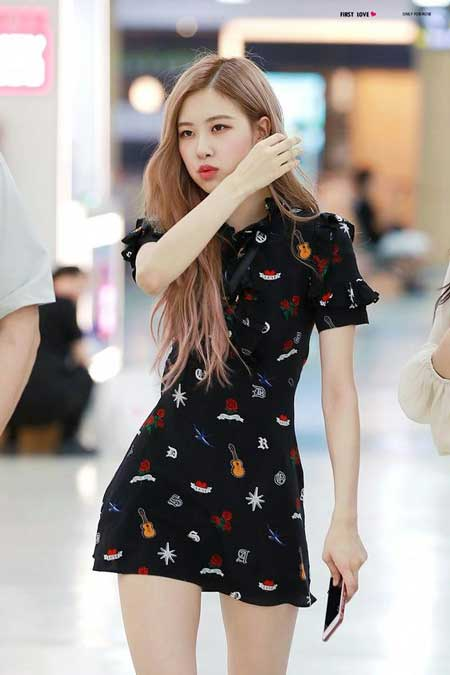 Gaya Fashion Ala Blackpink - Rose