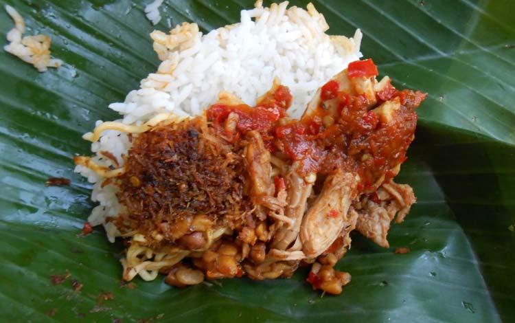 Makanan dan Minuman Khas Bali - Nasi Jinggo