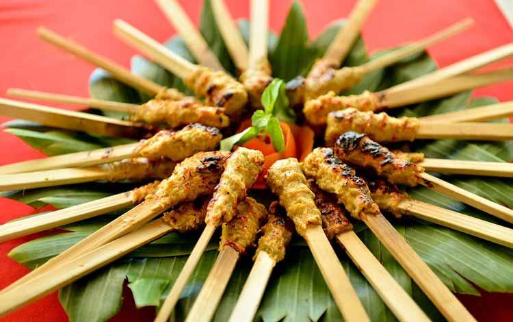 Makanan dan Minuman Khas Bali - Sate Lilit