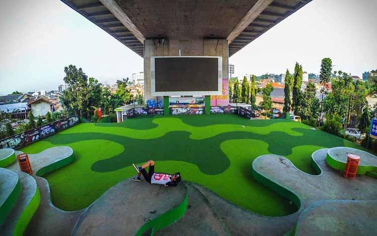Tempat Nongkrong di Bandung - Taman Film