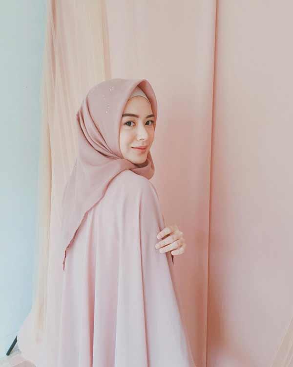 Trend Baju Muslim 2019 - Hijab Polos Segi Empat