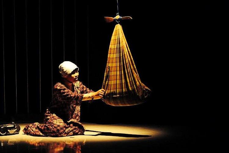 Fakta Lagu Lingsir Wengi Produk Pemanggil Kuntilanak Digunakan untuk lagu pengantar tidur anak-anak