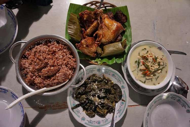 Makanan dan Minuman Khas Jogjakarta - Sego Abang Lombok Ijo