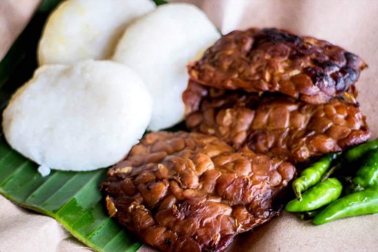 Makanan dan Minuman Khas Jogjakarta - Jadah Tempe