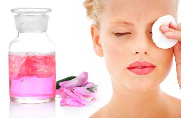 Tips Dan Cara Yang Mudah Dalam Merawat Area Sekitar Mata Pada Wanita - Pijat dengan celupan Air mawar