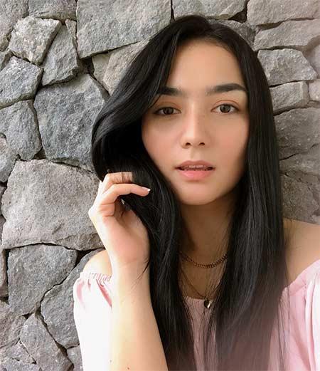 Citra Kirana berperan sebagai Dewi di sinetron Cinta Yang Hilang