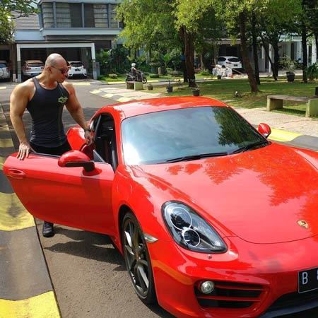 Deretan Artis Indonesia Yang Memiliki Mobil Mewah - Deddy Corbuzier