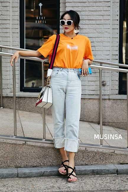 Tips Memilih Baju Untuk Wanita Yang Bertubuh Kurus - Gunakan Pakaian Berwarna Cerah
