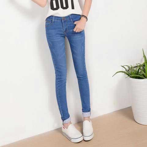 Tips Memilih Baju Untuk Wanita Yang Bertubuh Kurus - Jeans Low Waist
