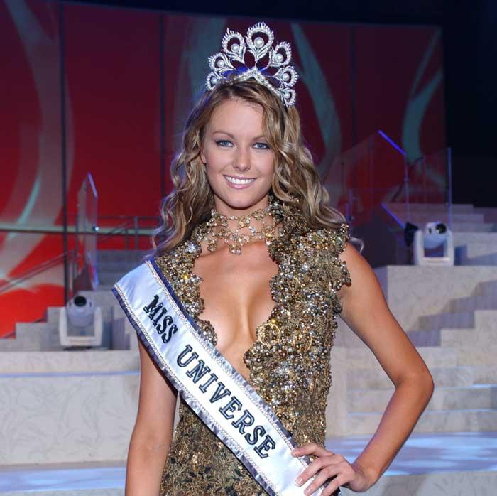 Pemenang Miss Universe Dari Waktu Ke Waktu - Jennifer Hawkins - 2004