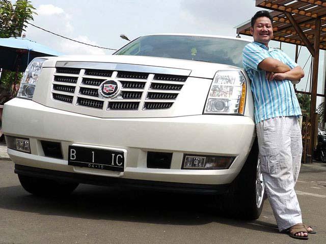 Deretan Artis Indonesia Yang Memiliki Mobil Mewah - Ki Kusumo