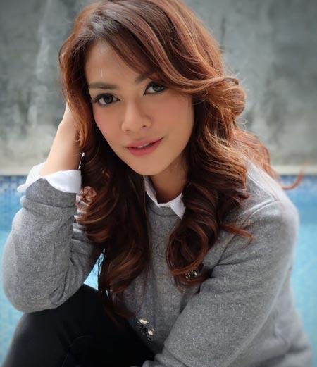Masayu Anastasia berperan sebagai Lisa di sinetron Cinta Yang Hilang