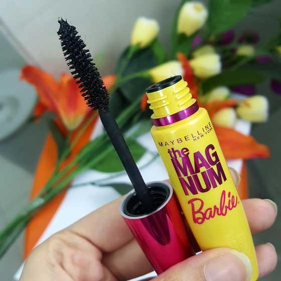 Rekomendasi Maskara Maybelline Yang Bagus Untuk Melentikan dan Menebalkan Bulu Mata - Maybelline The Magnum Barbie