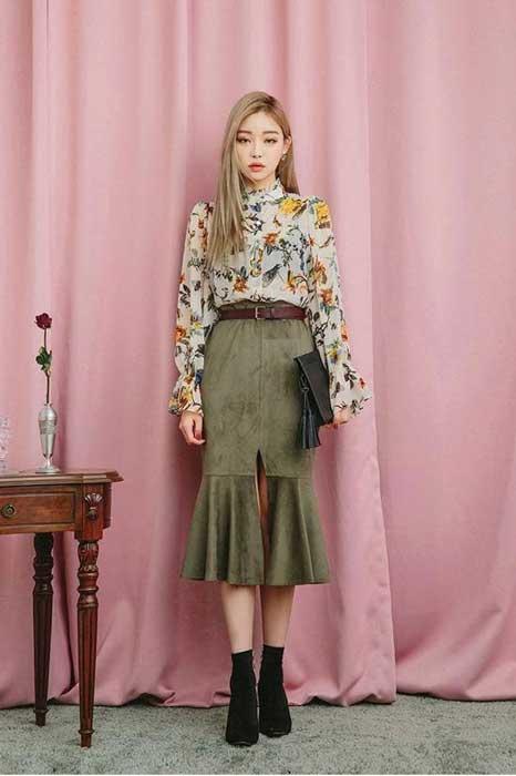 Tips Memilih Baju Untuk Wanita Yang Bertubuh Kurus - Pakailah Warna dan Motif yang Ramai