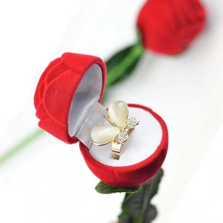 Rekomendasi Hadiah Atau Kado Valentine Untuk Pacar Dan ...