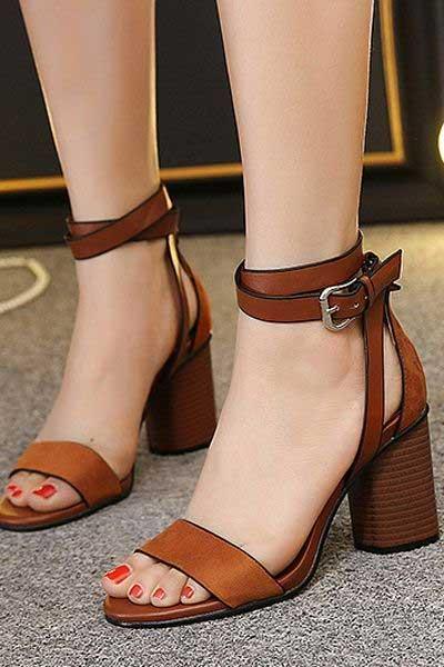 Tips Memilih High Heels Yang Aman Dan Nyaman Untuk Dipakai Sehari-hari - Pilihlah material high heels yang tepat